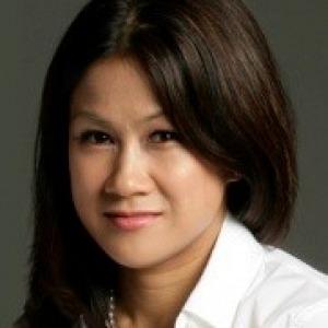 Claire Ngo Headshot
